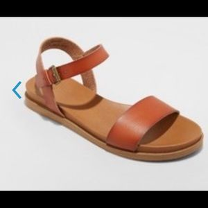 NIB: Universal Thread Nyla Cognac Sandals! 💛